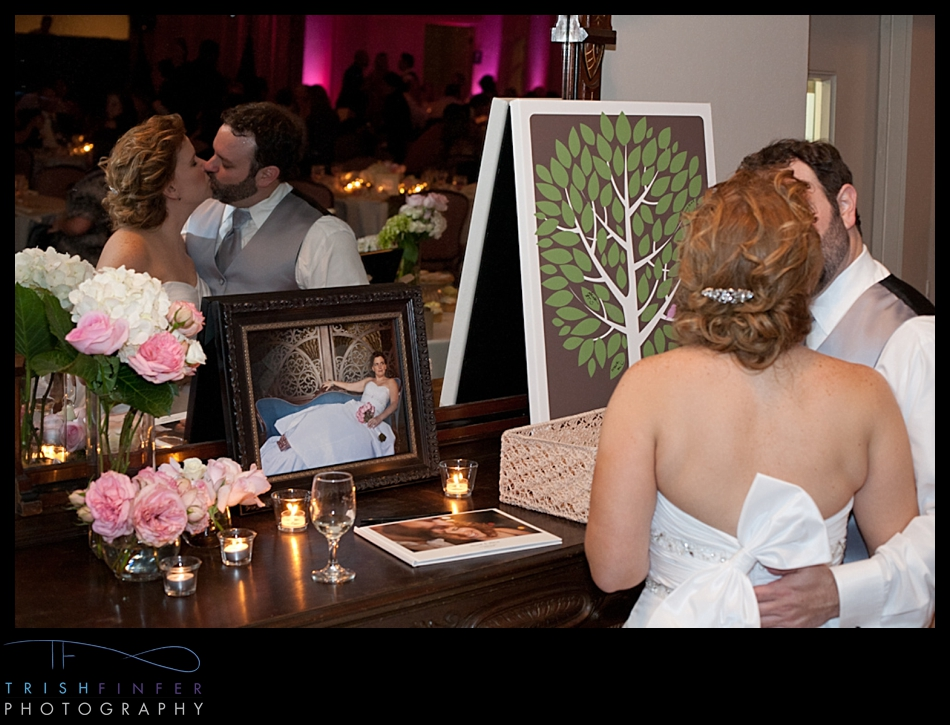 Bride Groom Kissing Guestbook